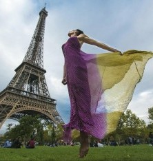 Dancing  Around The World - Paris